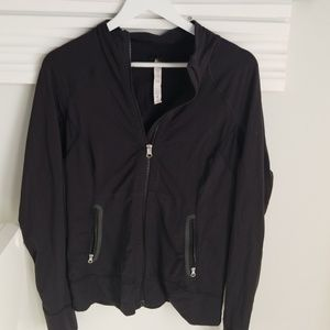 Lululemon black zipper pockets jacket size 10